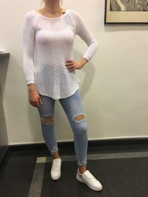 Pulover Maša bel
