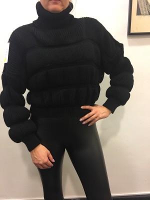 Pulover Dajci črn